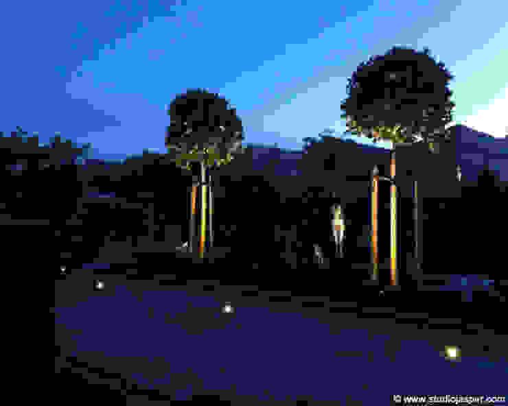 Tuin bij nacht Moderne tuinen van Studio Jasper Interior | Furniture Modern