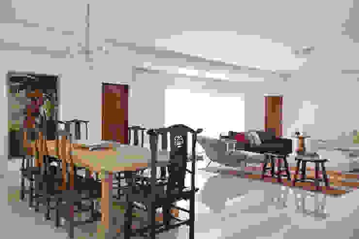 Casa na Gávea Salas de jantar modernas por Ricardo Melo e Rodrigo Passos Arquitetura Moderno