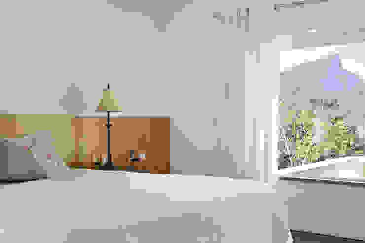 Modern style bedroom by Ricardo Melo e Rodrigo Passos Arquitetura Modern