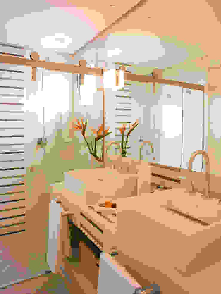 Suite do casal Banheiros modernos por Flávia Brandão - arquitetura, interiores e obras Moderno