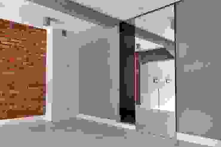 WE LOFT DESIGN Closets de estilo minimalista