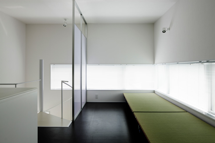畳移動家具の配置例-1 モダンな商業空間 の 久保田章敬建築研究所 モダン