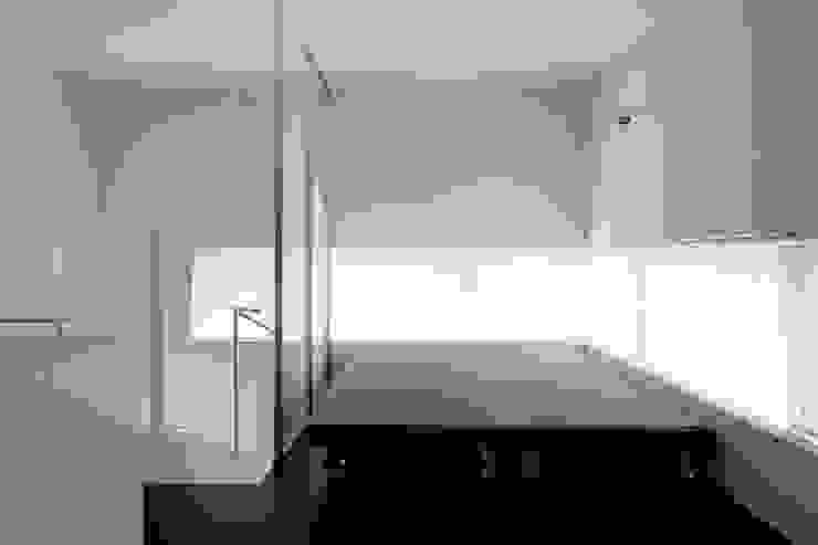畳移動家具の配置例-2 モダンな商業空間 の 久保田章敬建築研究所 モダン