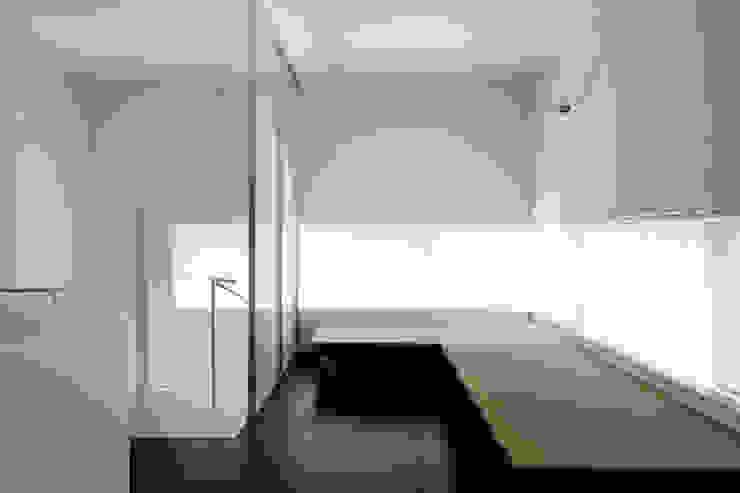 畳移動家具の配置例-3 モダンな商業空間 の 久保田章敬建築研究所 モダン
