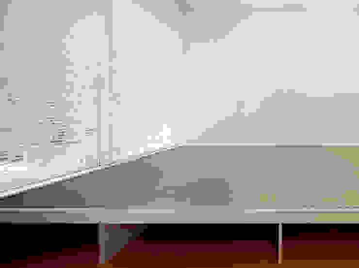 畳のある部屋 モダンな商業空間 の 久保田章敬建築研究所 モダン