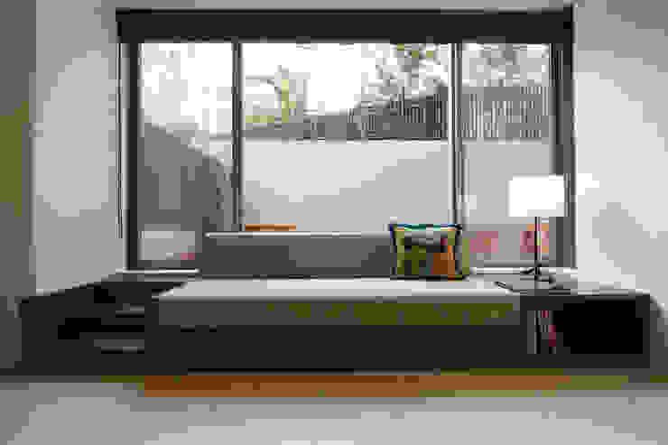 ガーデンテラスのあるオフィス Style is Still Living ,inc. オリジナルデザインの 書斎