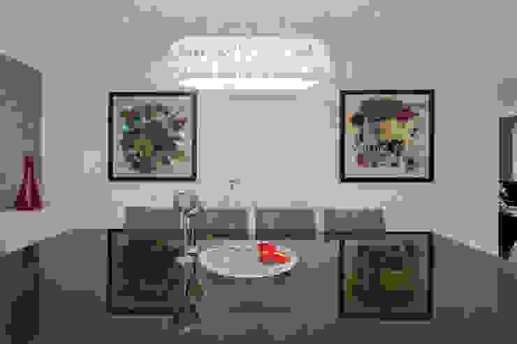Sala de jantar com obras de arte Salas de jantar ecléticas por Helen Granzote Arquitetura e Interiores Eclético