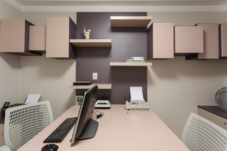 Modern study/office by Helen Granzote Arquitetura e Interiores Modern