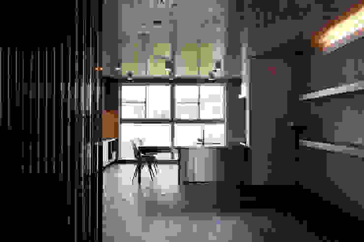 Modern living room by FIELD NETWORK Inc. Modern