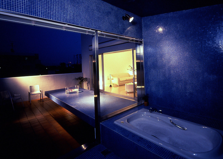 S Clinic + Residennce 久保田章敬建築研究所 Ванна кімнатаОсвітлення