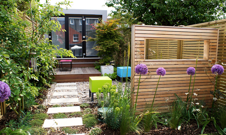 Modern English Courtyard Garden Rosemary Coldstream Garden Design Limited Modern style gardens
