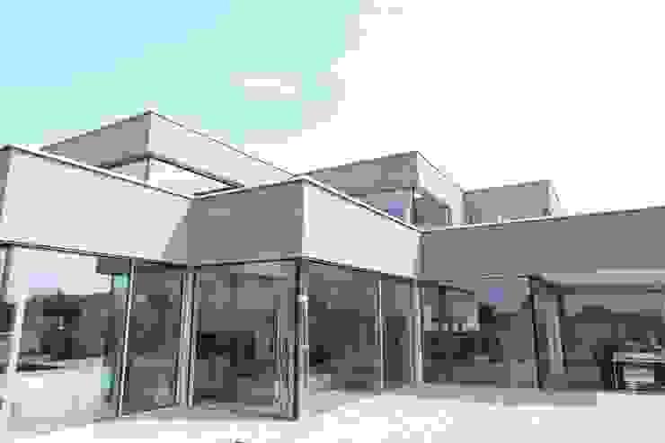 Minimalist house by Neugebauer Architekten BDA Minimalist