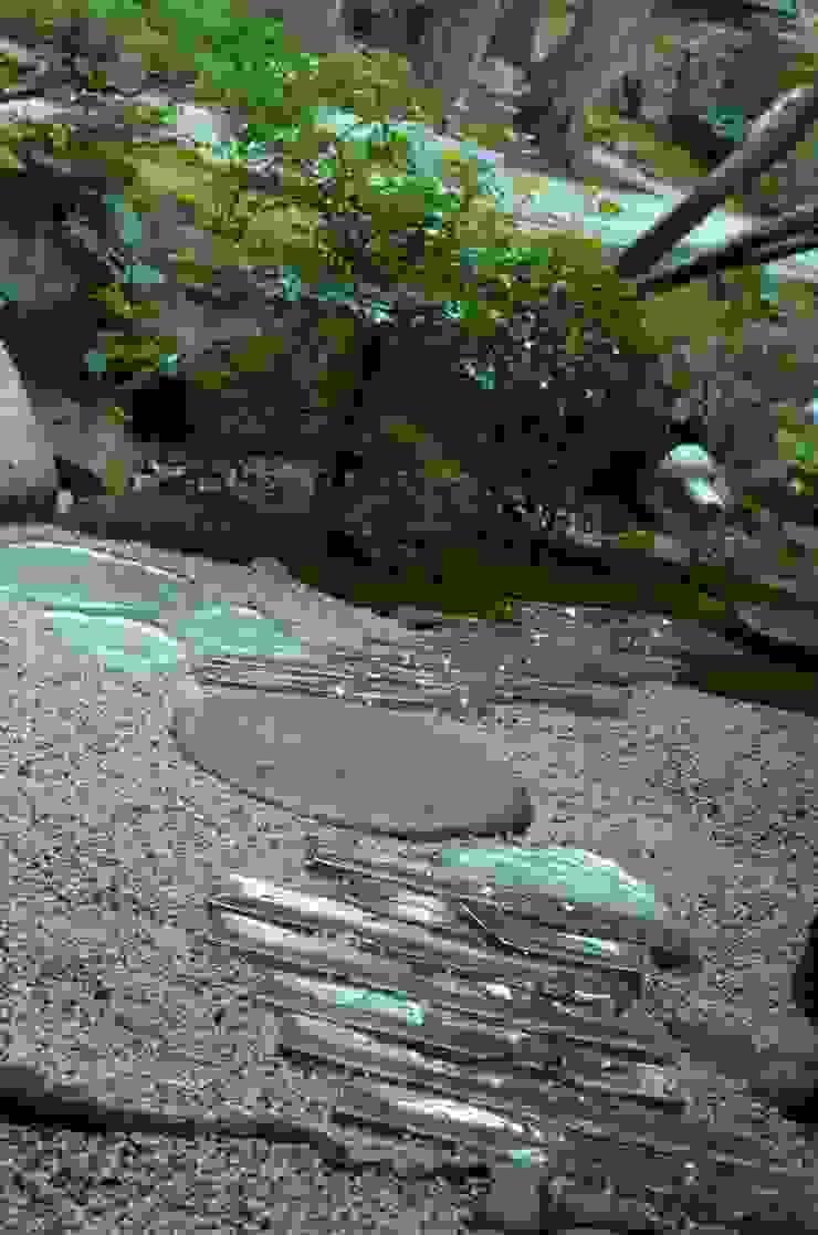 光るガラスの通路 オリジナルな 庭 の 木村博明 株式会社木村グリーンガーデナー オリジナル