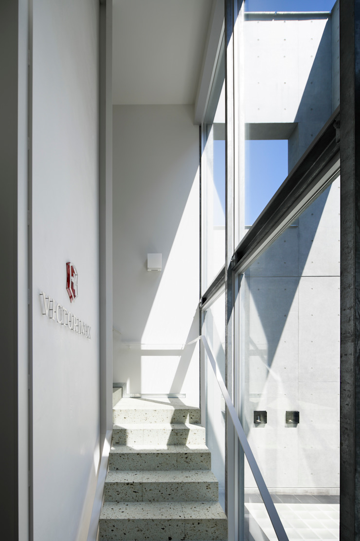 エントランス 久保田章敬建築研究所 Moderne Bürogebäude
