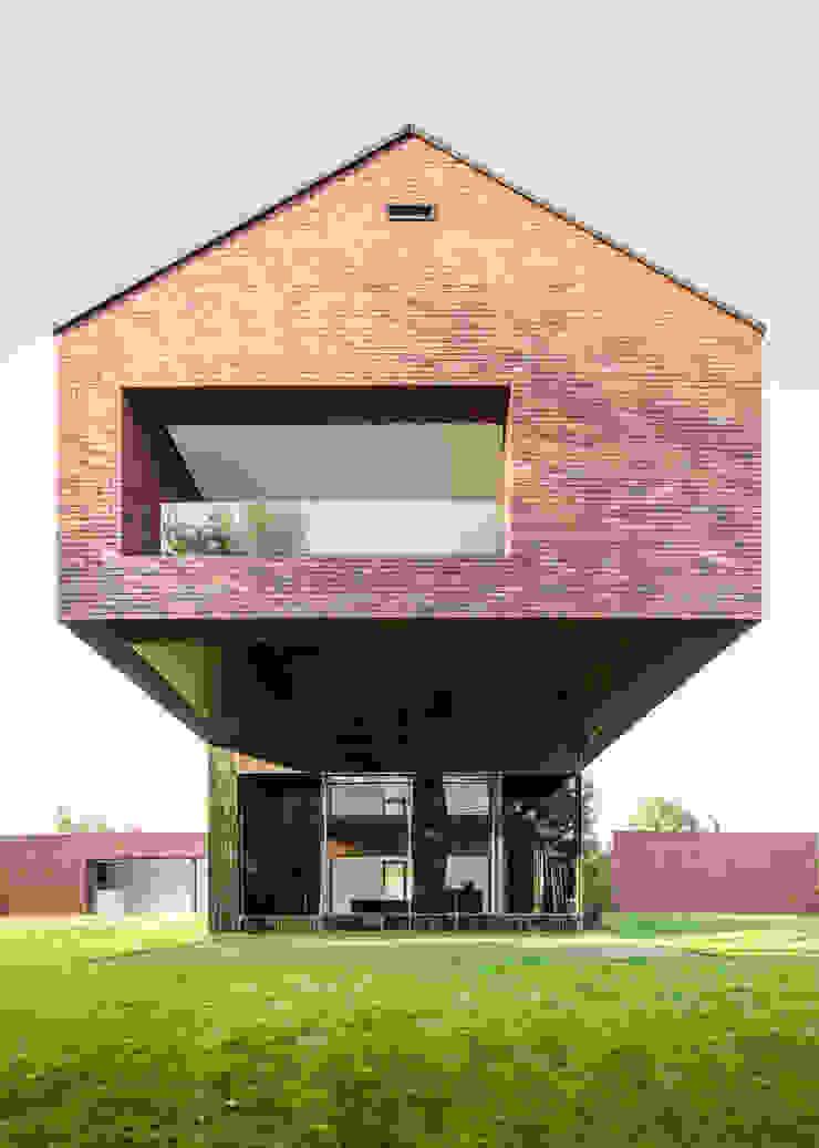 Casas modernas de KWK Promes Moderno