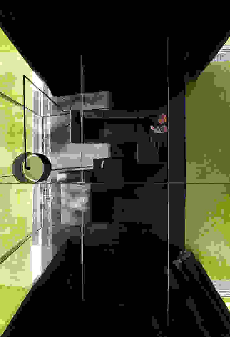 Salas de estilo moderno de KWK Promes Moderno