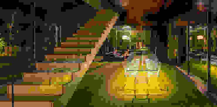 Pasillos, vestíbulos y escaleras modernos de KWK Promes Moderno