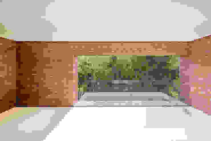 Puertas y ventanas de estilo moderno de KWK Promes Moderno