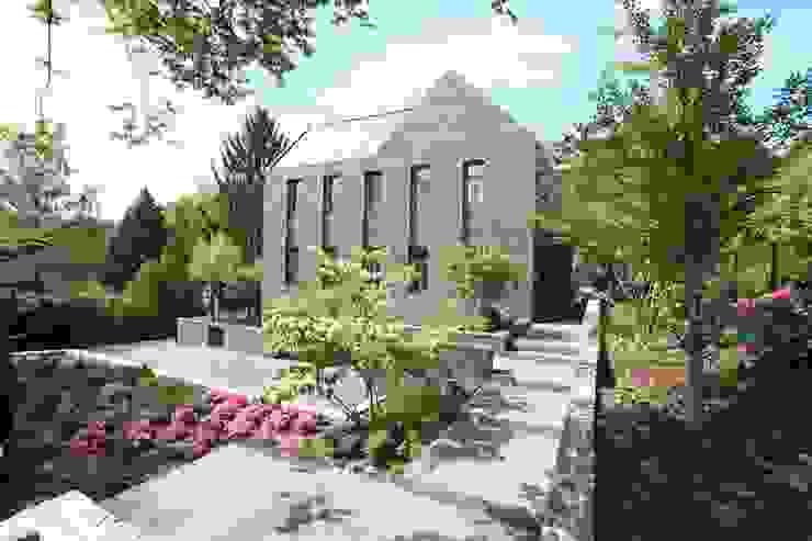 Vorgartenzone Klassische Häuser von Neugebauer Architekten BDA Klassisch