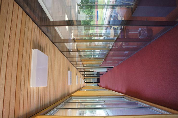 Houten plafonds Moderne kantoorgebouwen van De Haas & Heesterbeek BV Modern