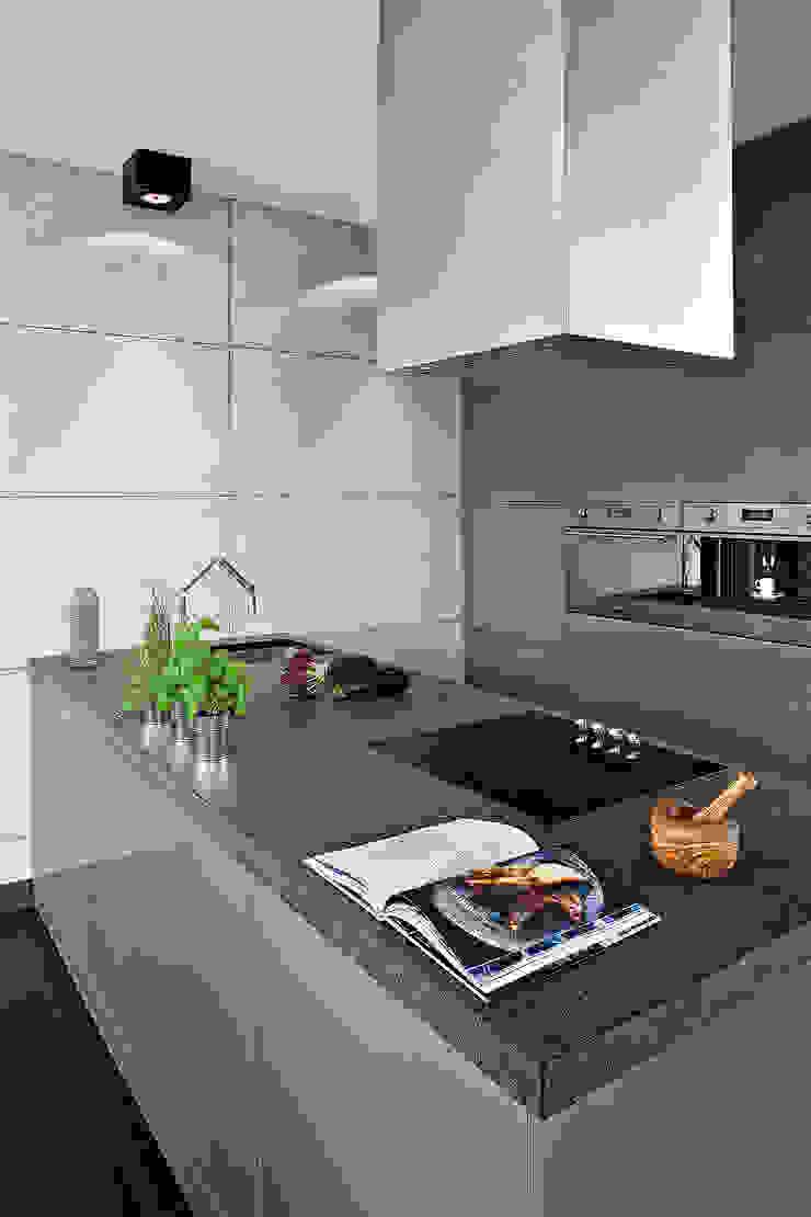 justyna smolec architektura & design Modern style kitchen