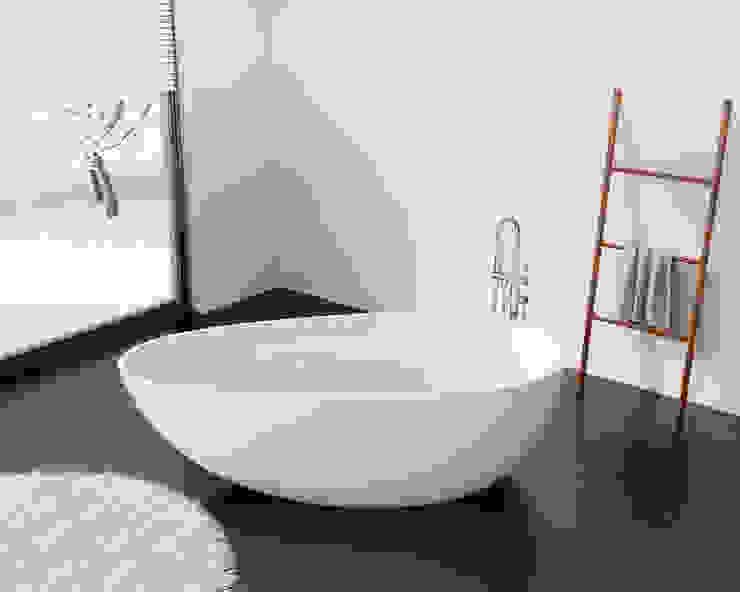 Elegante freistehende Badewanne BW-01-L: modern  von Badeloft GmbH - Hersteller von Badewannen und Waschbecken in Berlin,Modern