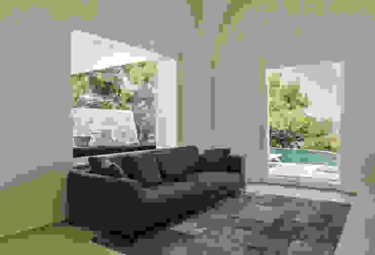Villa C+N Soggiorno moderno di Sebastiano Canzano Architects Moderno
