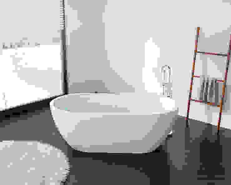 Moderne freistehende Badewanne BW-02-L: modern  von Badeloft GmbH - Hersteller von Badewannen und Waschbecken in Berlin,Modern