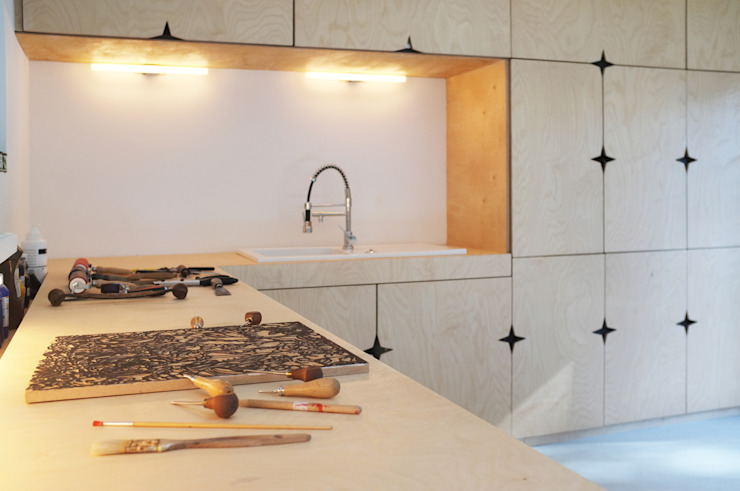 Cocinas de estilo clásico de Modal Architecture Clásico