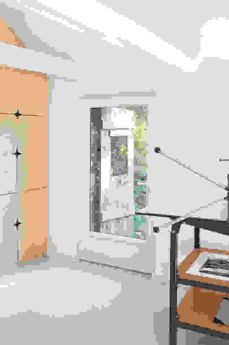 Cocinas de estilo moderno de Modal Architecture Moderno