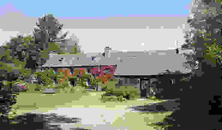 Casas de estilo rural de Modal Architecture Rural