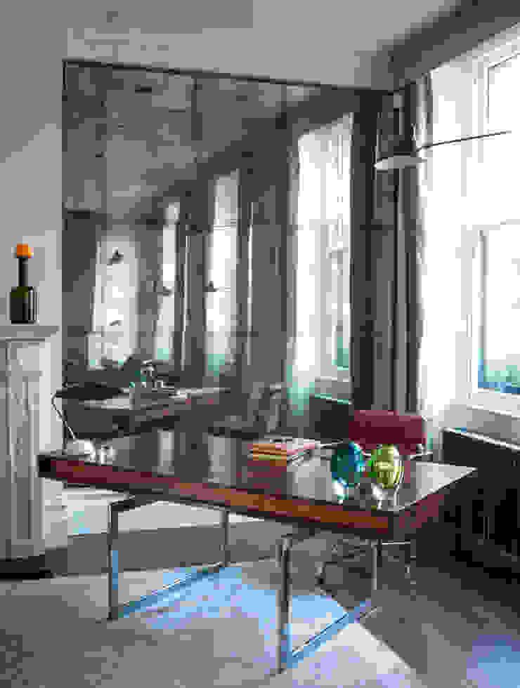 Living Area Alcoves: modern  by Rupert Bevan Ltd, Modern