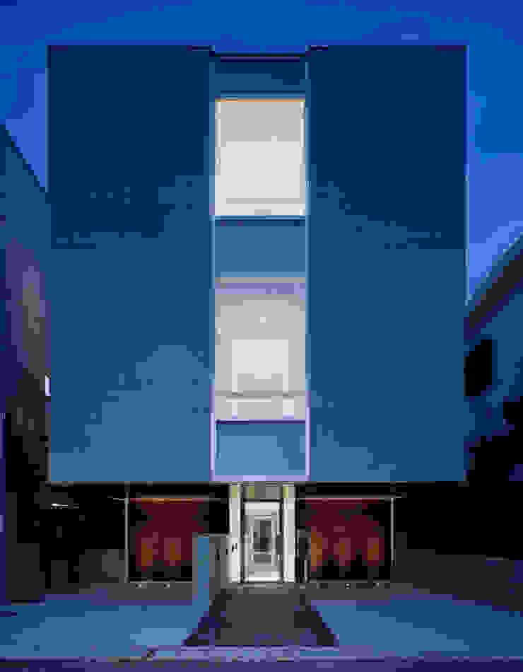北側の外観 の 久保田章敬建築研究所 モダン