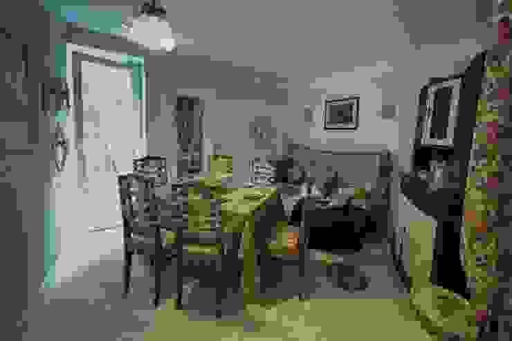 Из однушки в трешку – квартира в Москве Татьяна Апрельская - Бесплатный ремонт! Столовая комната в классическом стиле