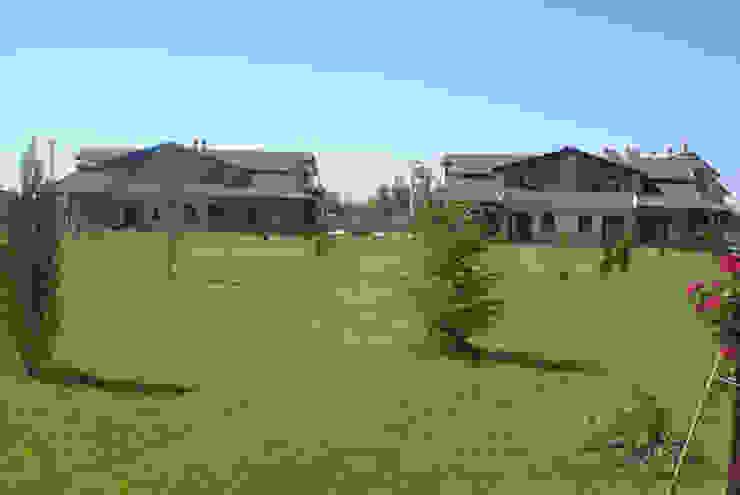 Modern style gardens by Tulya Evleri Modern