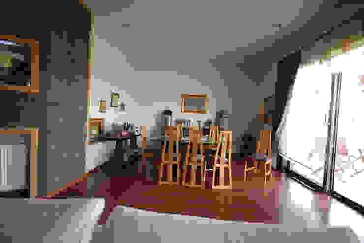 Столовая комната в стиле модерн от Tulya Evleri Модерн