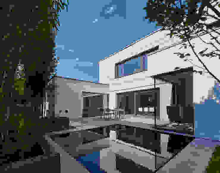 Projekty,  Taras zaprojektowane przez Fachwerk4 | Architekten BDA, Nowoczesny