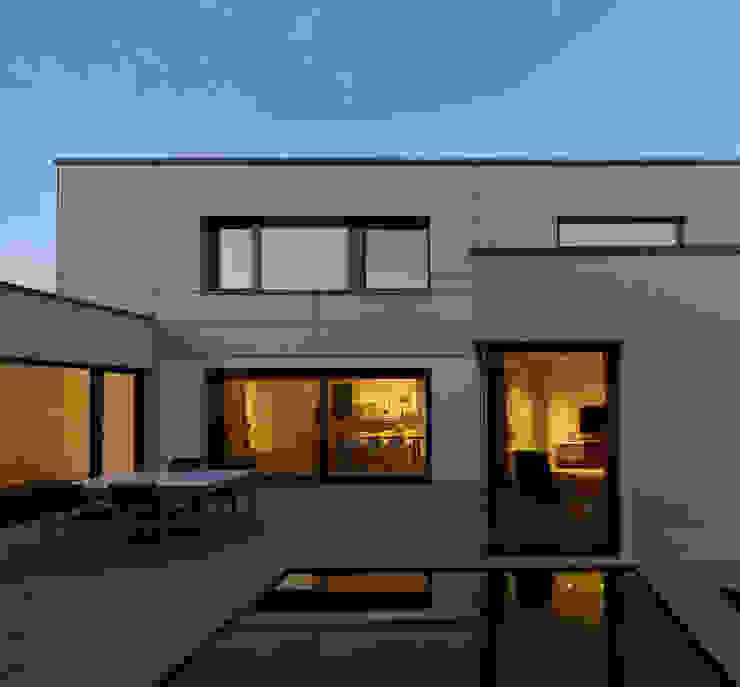 Projekty,  Domy zaprojektowane przez Fachwerk4 | Architekten BDA, Nowoczesny
