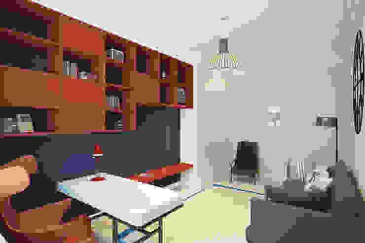 Квартира на ул. Гарибальди Рабочий кабинет в эклектичном стиле от FAOMI Эклектичный