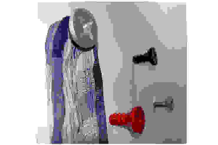 Walls & flooring by Vago Minds Ltd.