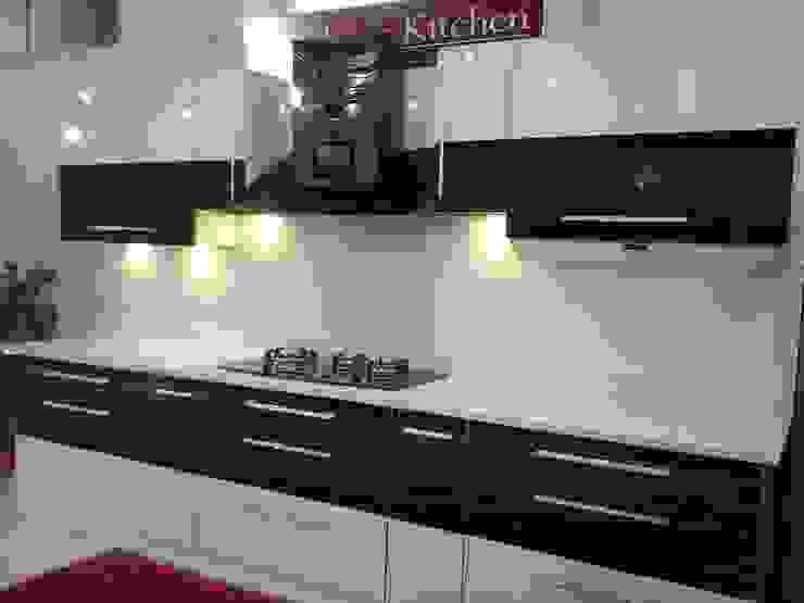 Classic Kitchen Display Project 1: modern  by Classic Kitchen Pvt Ltd,Modern