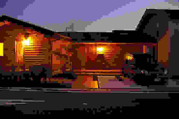 Maisons originales par 木の家株式会社 Éclectique