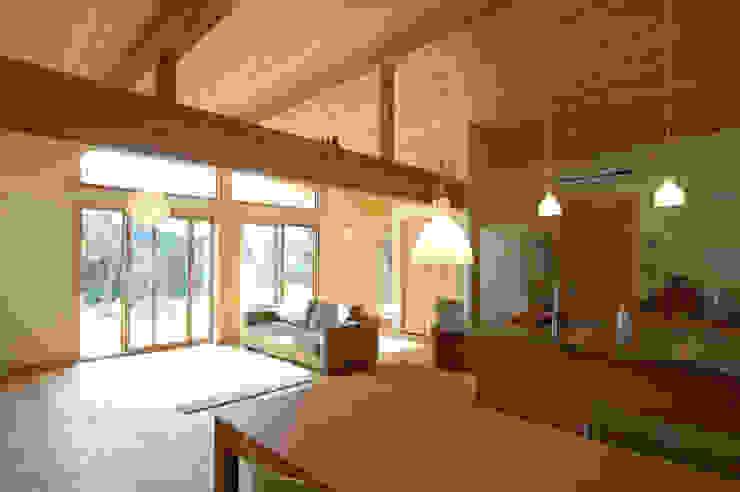 Ausgefallene Wohnzimmer von 木の家株式会社 Ausgefallen