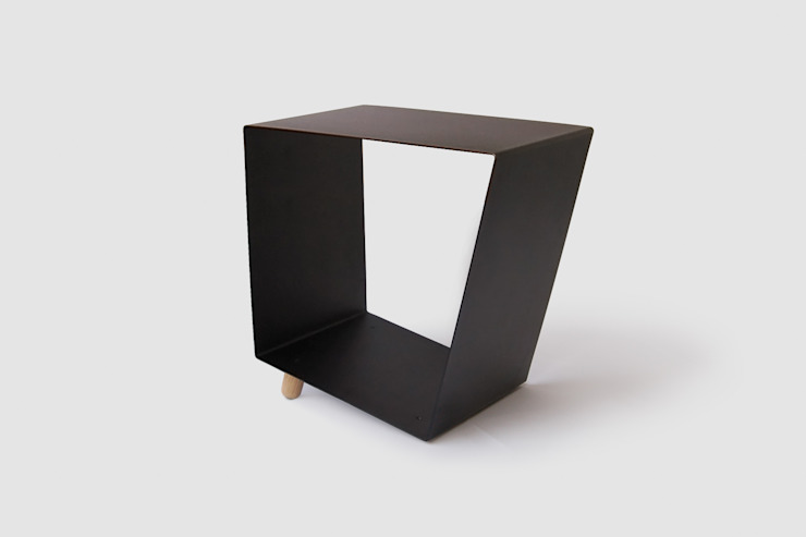 12° side table by chris+ruby di chris+ruby Minimalista