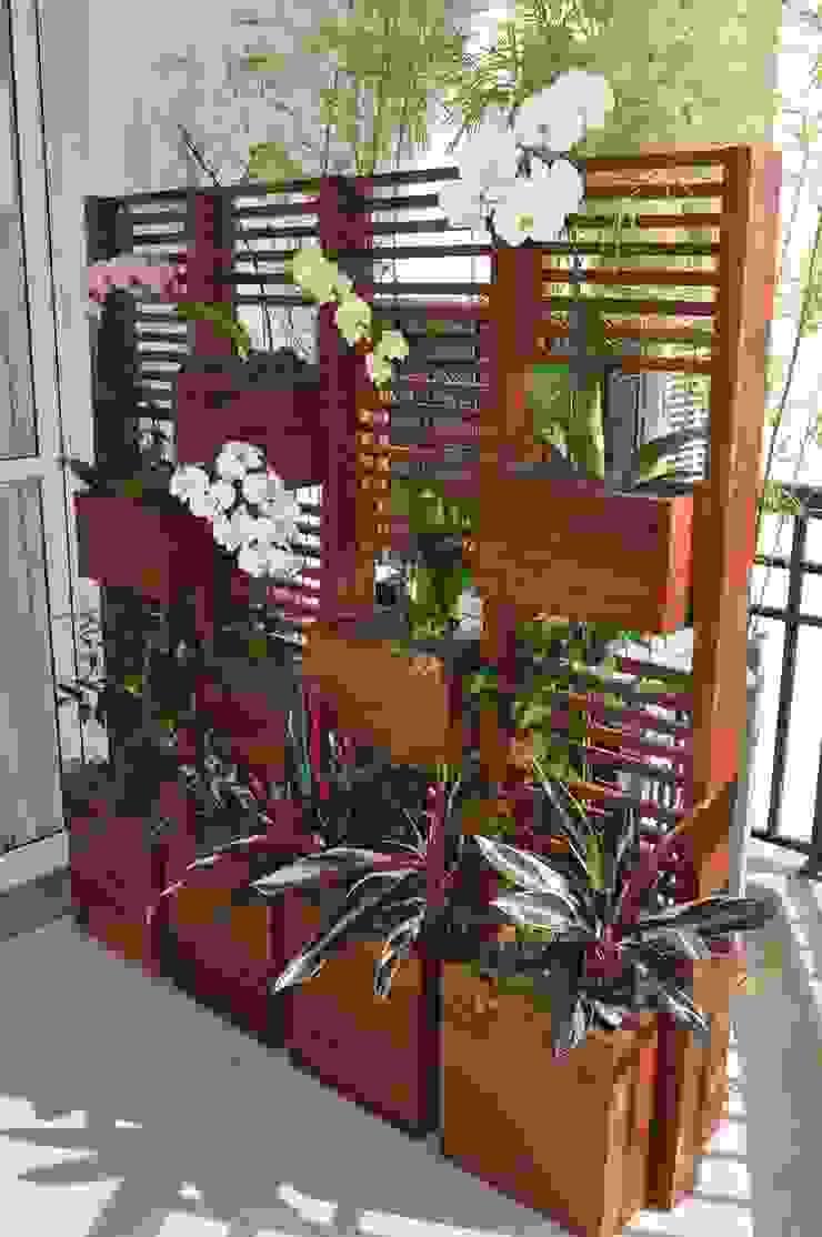 Jardim vertical Varandas, alpendres e terraços modernos por A Varanda Floricultura e Paisagismo Moderno