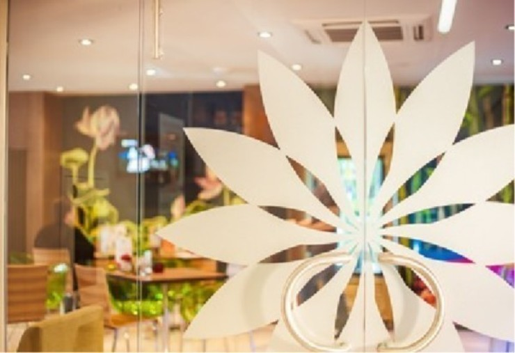 """Эко-Кафе """"UNIQUE Organic Bar"""" Столовая комната в азиатском стиле от Дизайн-бюро Анны Шаркуновой 'East-West' Азиатский"""