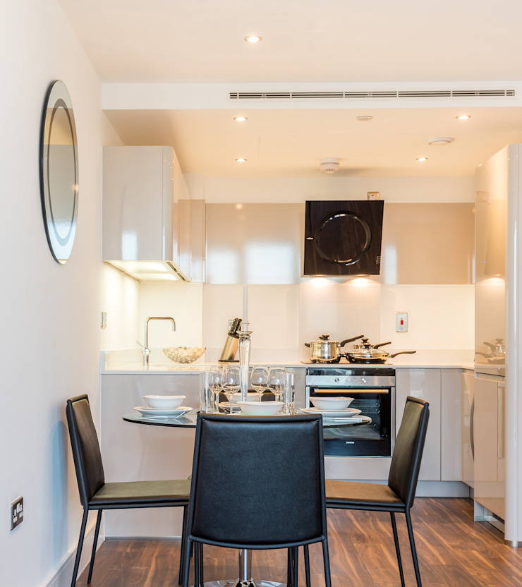 Kitchen/Dining area In:Style Direct Modern dining room