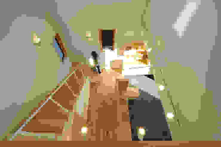 吹抜 モダンスタイルの 玄関&廊下&階段 の office.neno1365 モダン 木 木目調