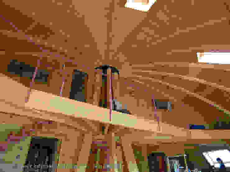 Дома Коридор, прихожая и лестница в модерн стиле от DOMESPACE VOSTOK Модерн
