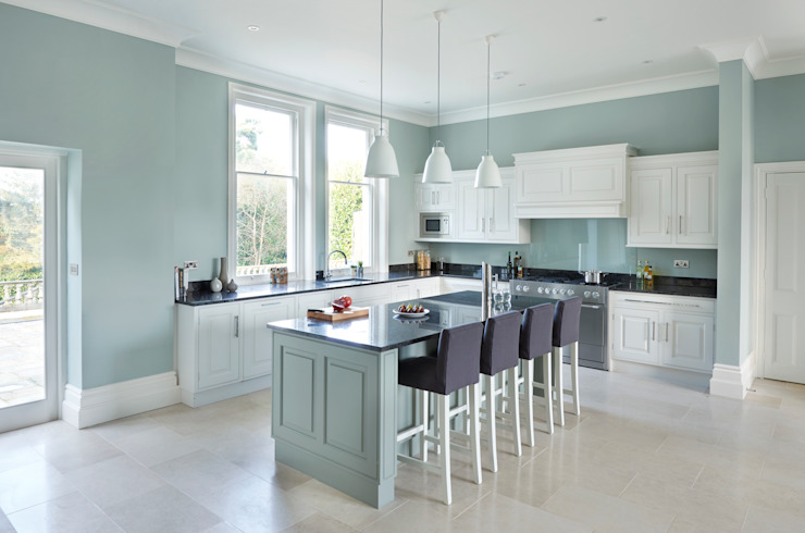 Victorian Home Rencraft Classic style kitchen Wood Grey